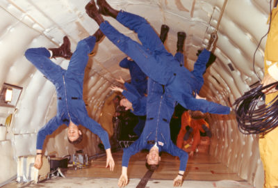 Astronauts_in_weightlessness